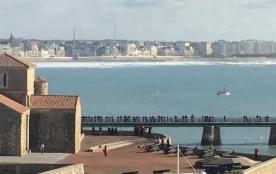 La chaume, type 2 avec parking et vue sur le chenal et la mer