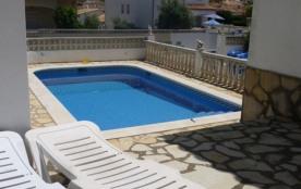 Villa proche de la plage avec piscine