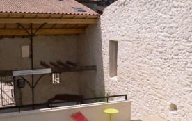 Très Grande Maison de caractère 8 Chambres avec Piscine au cœur d'un petit village du Médoc