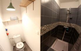 Salle de douche appartement numéro 12