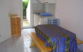 Villa 4 à 6 couchages dans résidence en accès direct plage.