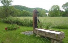 Gîtes du moulin d'Avoutot. Ancien moulin situé à l'extrémité du village, comprenant l'habitation ...