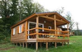 Chalet Campanule : Chalaux est un des plus beaux petits villages de la région. 2 chalets y sont installés dans un ter...