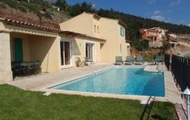 Location de villas avec piscine privées à La Londe pour 8 ou 10 personnes...