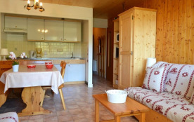Appartement 2 pièces de 38 m² environ pour 5 personnes, la résidence Roches Fleuries 1 est située...