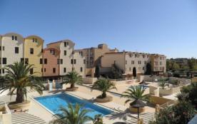 Gruissan (11) - Secteur port - Résidence les Dromadaires. Appartement 2 pièces cabine - 32 m² env...