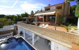 B31 HANRI villa con piscina privada vistas al mar