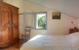 Une chambre double à l'étage