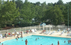 Camping Lou Broustaricq  4* - Mobil-home 6 personnes - 2 chambres (entre 6 et 10 ans) (Max. adultes: 4)