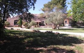 A 15 mn d'AVIGNON en pleine nature ! ! avec piscine (6 pers.) dans Mas. - Rochefort-du-Gard