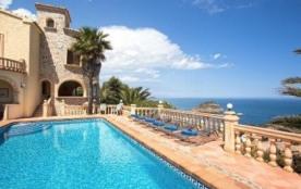 Villa WB CASTILLO
