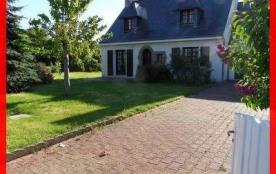 Environnement calme pour cette maison de 4 pièces avec jardin et terrasse.