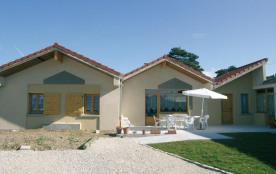 Le Pic Vert Assis sur une corniche, le village de Saint Romain bénéficie d'une excellente positio...
