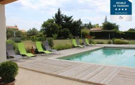 La piscine depuis le pool house