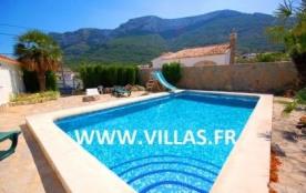 Villa AS Charl - Villa simple et fonctionnelle, dans un quartier agréable en pleine campagne.