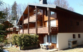 Résidence de 10 logements, dans la Vallée des ARAVIS, au lieu dit « LES TOLLETS », à 800 m du centre, à proximité des...