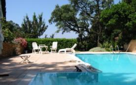 Très jolie villa provencale avec vue mer et piscine