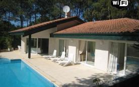 Villa 8 personnes avec piscine - Dans le Golf et proche du Lac - 40600 Biscarrosse Lac