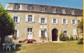 Le couvent - Dans un ancien couvent, au bord du Canal du Nivernais et à proximité du port de plai...