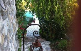 Mas de caractère, piscine privée, grand confort au soleil du sud de la France