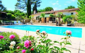 Ravissante maison avec piscine et beau jardin