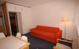 Studio 6 personnes (SAN136)