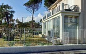 Cannes, Appartement 4 pièces - front de mer à 50 m des plages de sable fin