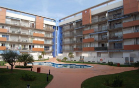 Très bel appartement avec piscine communautaire.