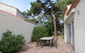 Maison individuelle avec jardin clôturé – idéal pour vacances à pieds