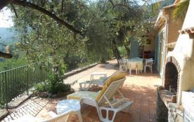 Belle Villa à CABRIS (Proche : GRASSE - CANNES - ANTIBES)