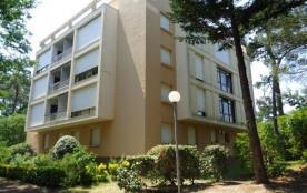 FR-1-374-105 - Appartement T3 dans quartier résidentiel des Abatilles à 900m de la plage