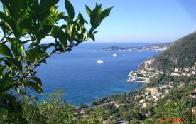 Habitation neuve avec vue panoramique à 180° mer et village. EZE bord de Mer