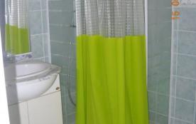 salle de douches privative chambre lits jumeaux