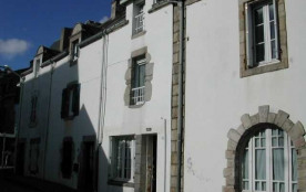 Maison du pays en Centre ville.