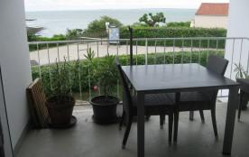 bel apppart avec plage à 30 mètres dans jolie résidence privée