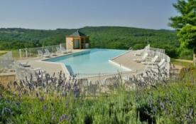 Gîtes 3*** 4/6 personnes sur la colline des grottes de Lascaux avec piscine chauffée en plein coeur du Périgord Noir ...
