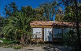 Locations : Arinella 4/6 personnes. Préférez le confort d'arriver et de vous installer dans votre bungalow ou votre m...
