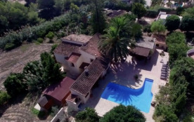 Private & Luxurious Villa with Pool - Lots of Space & Short Walk to the Sea