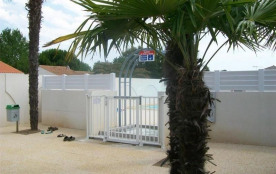 FR-1-357-60 - Pavillon T2 mezzanine, dans résidence de vacances avec piscine