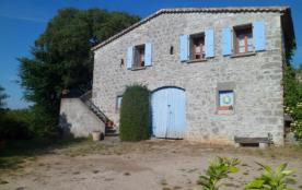 Gîtes de France - Situé à quelques minutes du centre de Ruoms, mais bénéficiant de beaucoup de ca...