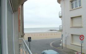 Appartement complètement rénové à Westende, Dunes et Mer