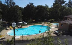 Des vacances au cœur de la terre des volcans ! Venez vous enivrer d'air pur et des sites naturels d'Auvergne époustou...