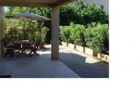 Location Appartement neuf rez-de-chaussée de Villa CALVI- 4 Personnes