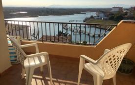 Appartement F2 avec belle vue, parking privée et situee a 100 métres de la plage