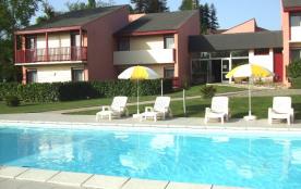 Résidence familiale avec piscine chauffée appartements T2 ou T3 Tarifs -10% pour 2 semaines    -15% pour 3 semaines