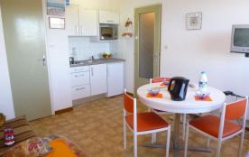Résidence Arc En Ciel 2 - Appartement 2 pièces situé à 50 m de la plage, dans le quartier de l'Es...