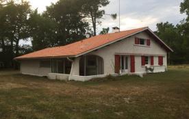Villa sur vaste airial