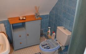 la salle de bains au 1er étage