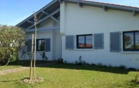 FR-1-0-322 - Pierre loti- jardin privatif dans quartier résidentiel