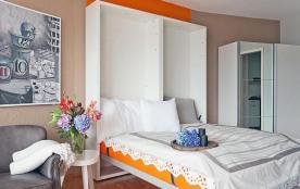 API-1-20-18810 - Double Room Modern